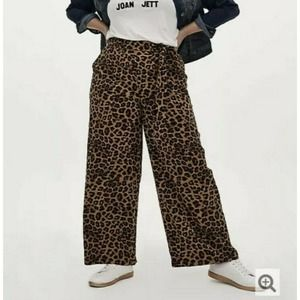 Torrid Animal Leopard Print Wide Leg Pant 00 10